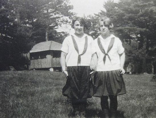 Helen 'Hammie' Rosenthal (Left), 1924