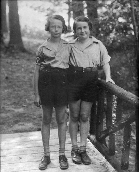 Pinecliffe's first grandchildren, 1940's